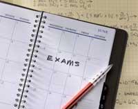 Скачать Литвин считает, что ученики должны сами выбирать между тестами и экзаменами