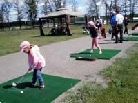 Скачать Харьковских школьников начнут обучать игре в гольф